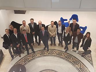 """Los participantes de """"Líderes para el futuro"""" visitan CaixaBank"""